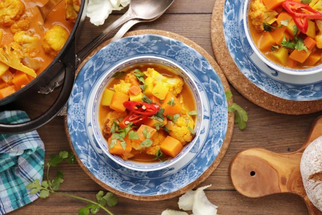 How to serve Roasted Cauliflower & Potato Curry Soup