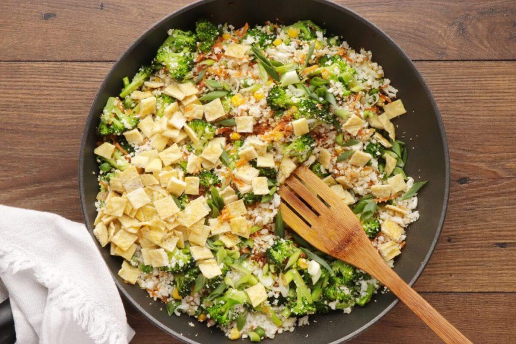 10-Minute Healthy Cauliflower Rice recipe - step 6