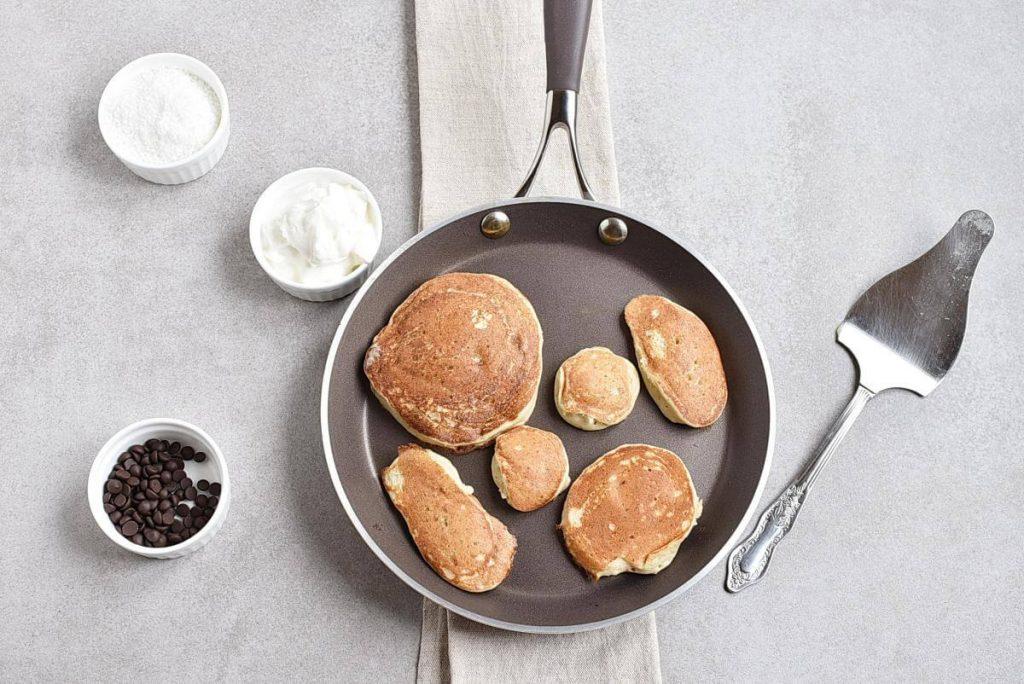 3-Ingredient Easter Banana Pancakes recipe - step 4
