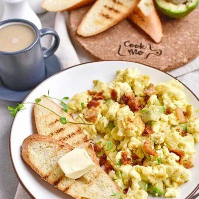 Avocado-Scrambled-Eggs-Recipes–Delicious-Avocado-Scrambled-Eggs–Eazy-Avocado-Scrambled-Eggs