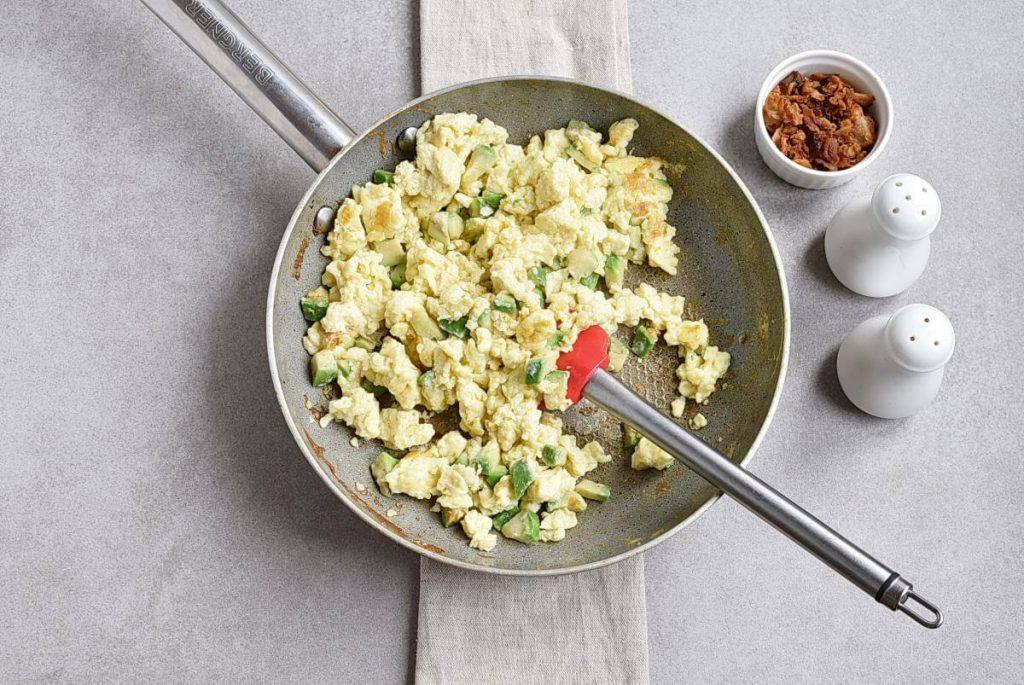 Avocado Scrambled Eggs recipe - step 5