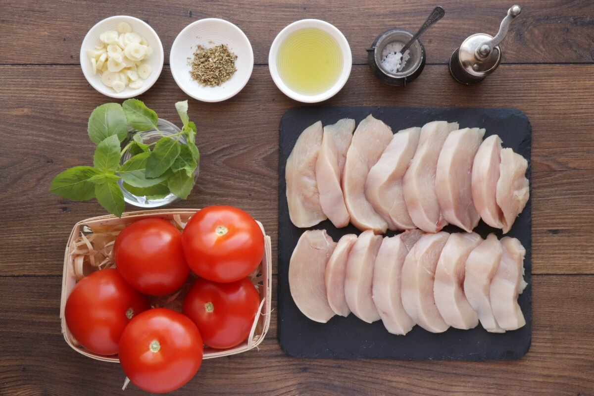 Ingridiens for Chicken Breast with Tomatoes and Garlic
