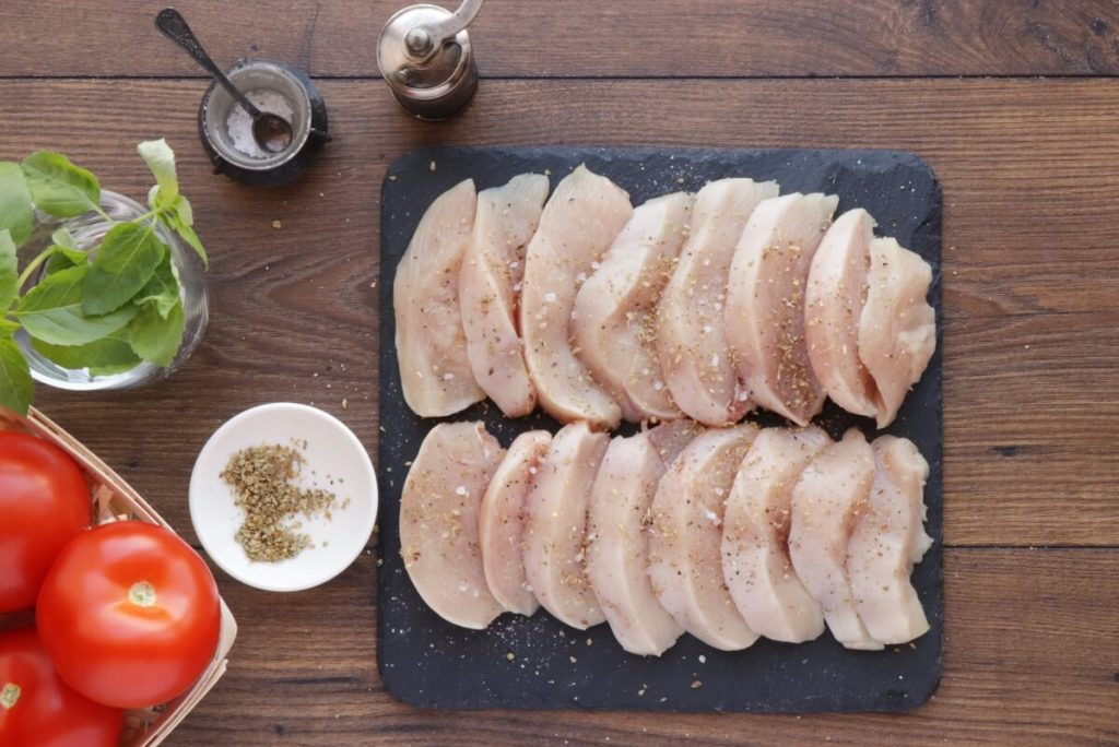 Chicken Breast with Tomatoes and Garlic recipe - step 1
