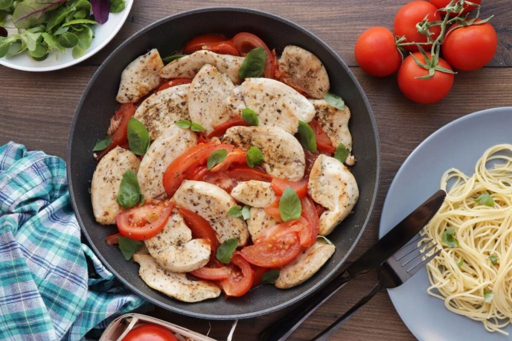 How to serve Chicken Breast with Tomatoes and Garlic