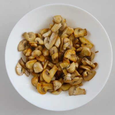 Creamy Herb Mushroom Chicken recipe - step 1