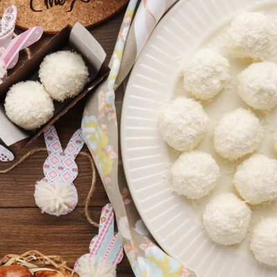Easter Bunny Tail Truffles Recipe-Homemade Easter Truffles-Easter Desserts-Easy Easter Desserts