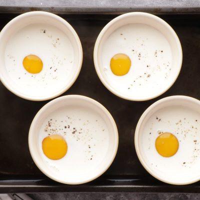Eggs en Cocotte recipe - step 7