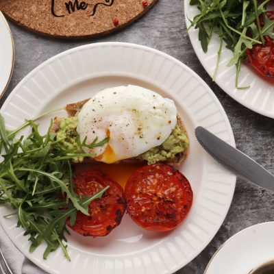 Poached Eggs with Smashed Avocado and Tomatoes Recipe-How to Make Poached Eggs-Smashed Avocado and Eggs