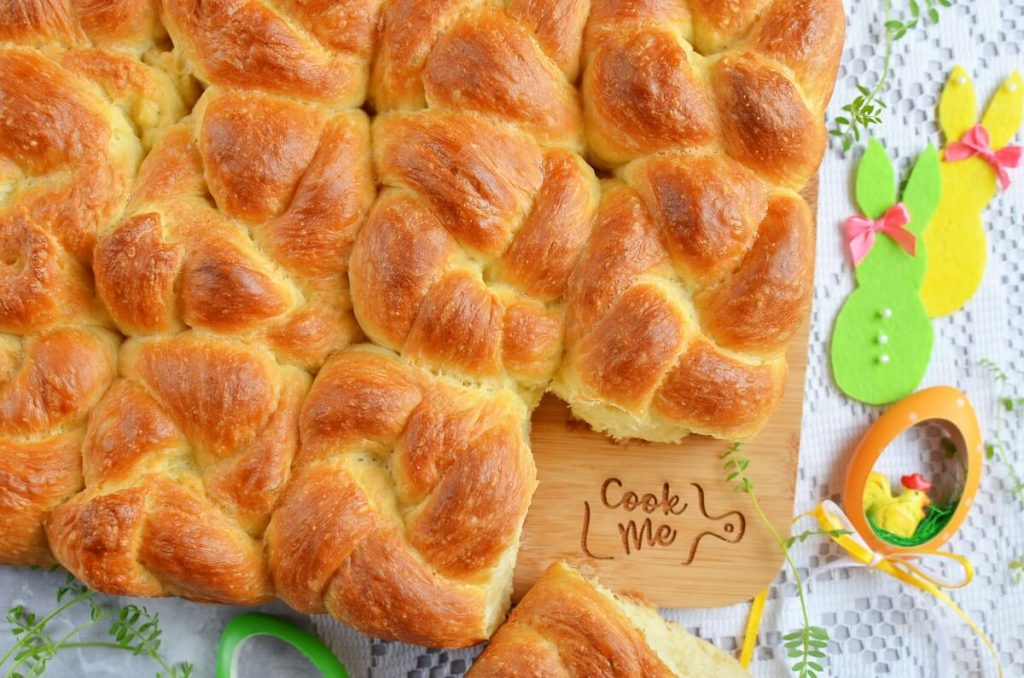 How to serve Pull-Apart Challah Rolls