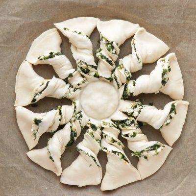 Spinach and Feta Tarte Soleil recipe - step 7