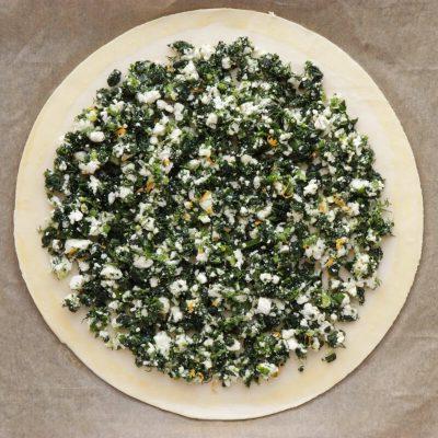 Spinach and Feta Tarte Soleil recipe - step 5