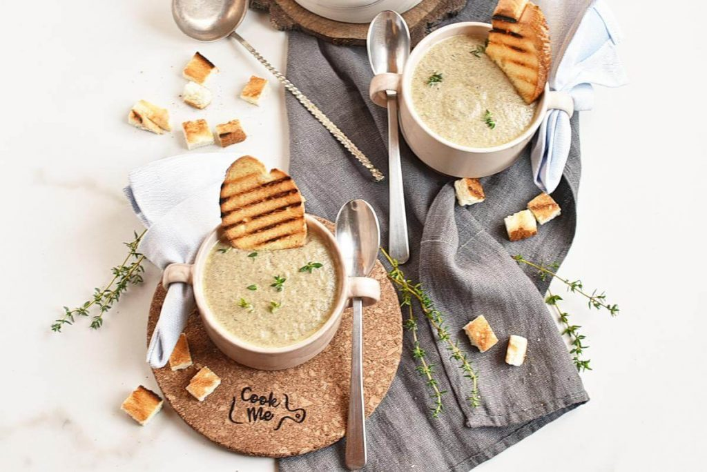 How to serve Vegan Instant Pot Mushroom Soup