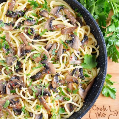 15-Minute Garlic Mushroom Pasta Recipe-How To Make 15-Minute Garlic Mushroom Pasta-Delicious 15-Minute Garlic Mushroom Pasta