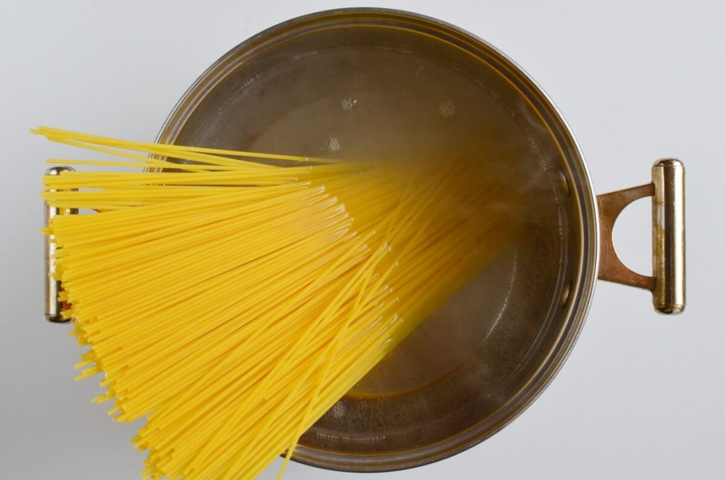 15-Minute Garlic Mushroom Pasta recipe - step 2