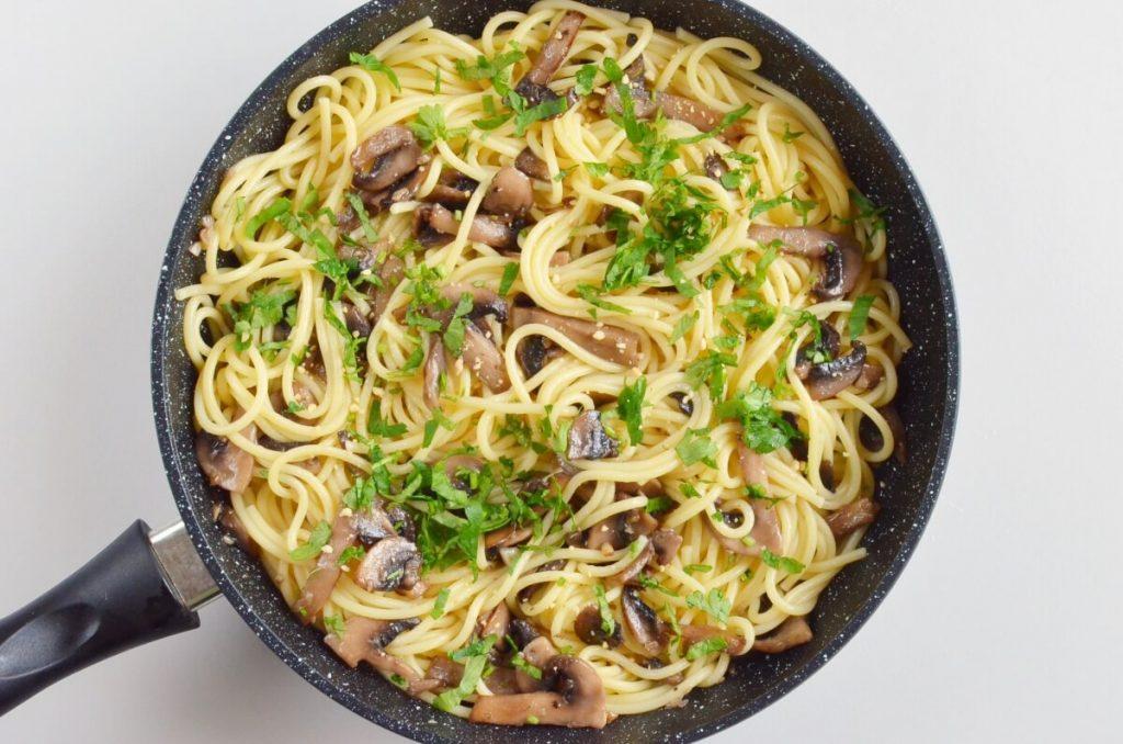 15-Minute Garlic Mushroom Pasta recipe - step 6