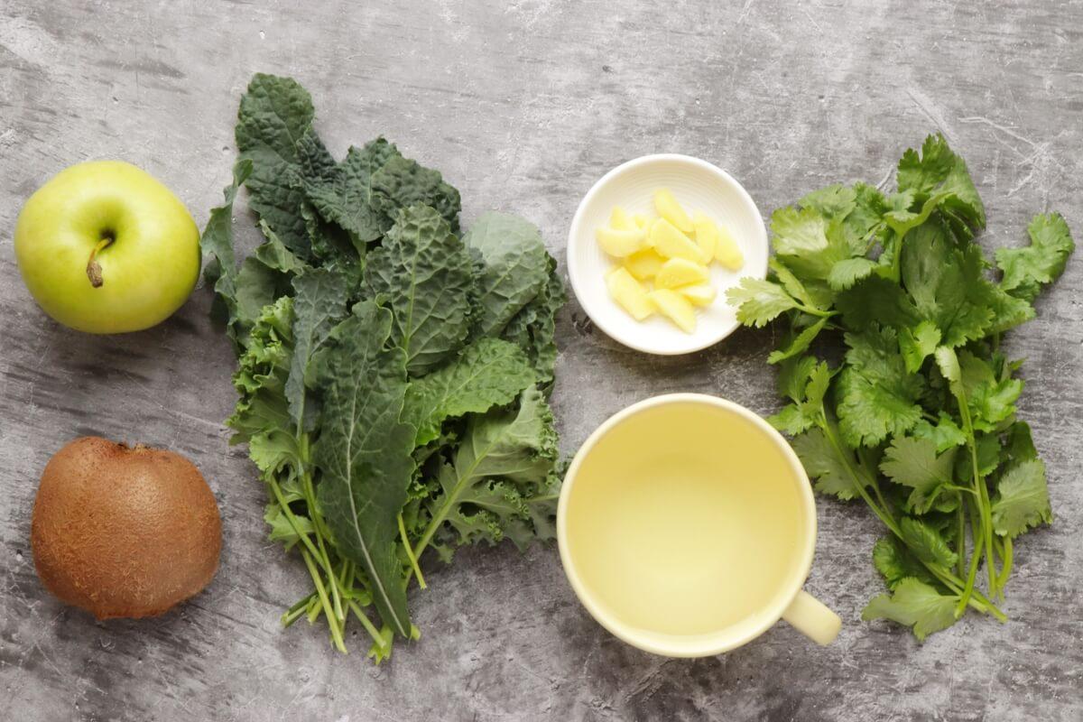 Ingridiens for Apple Kiwi Superpower Green Smoothie