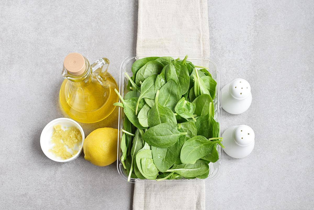 Ingridiens for Easy Lemon-Ginger Spinach