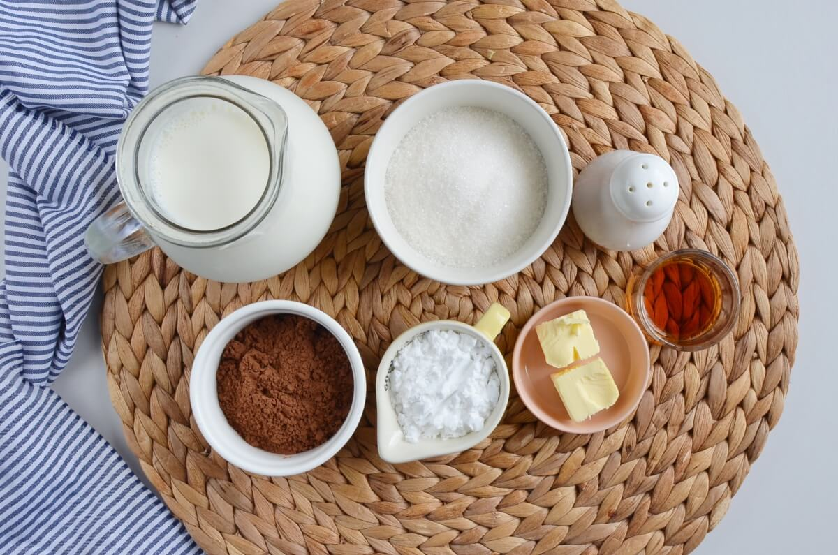 Ingridiens for Eggless Chocolate Cornstarch Pudding