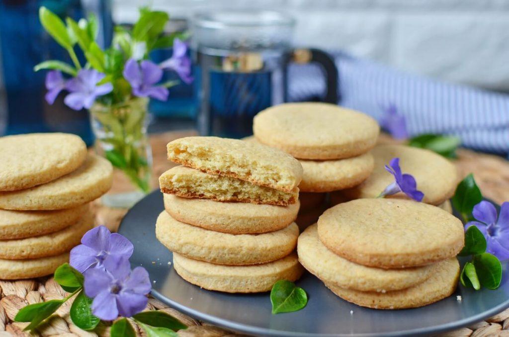 How to serve Eggless Sugar Cookies