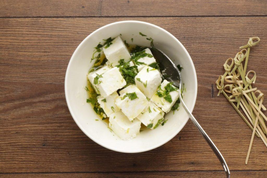 Greek Salad Skewers recipe - step 2
