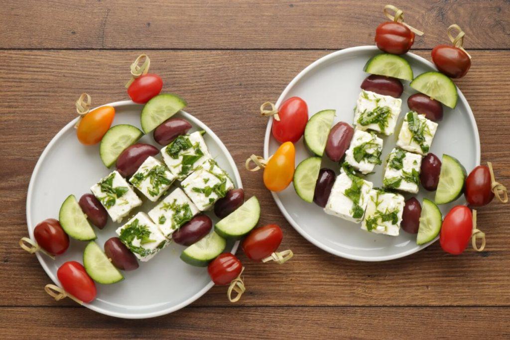 Greek Salad Skewers recipe - step 3