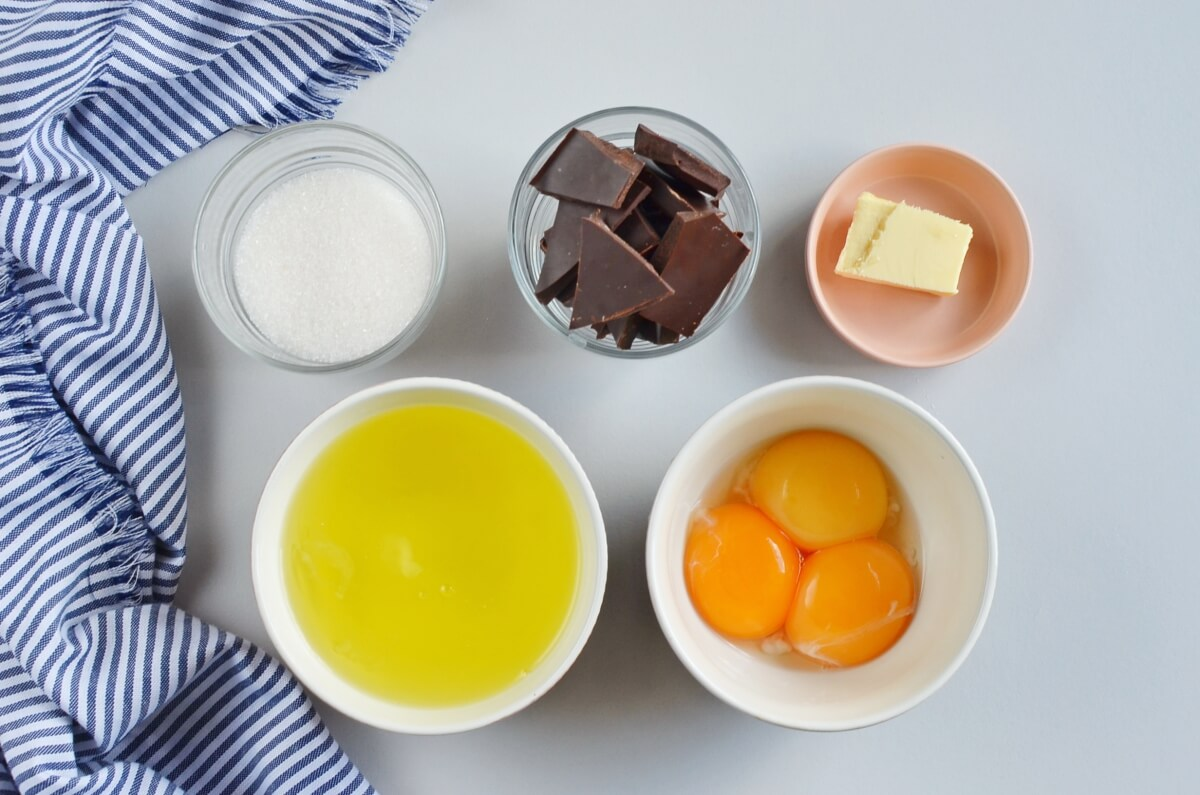 Ingridiens for Keto Chocolate Soufflé