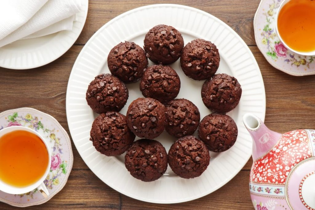 How to serve Low-Carb Chocolate Zucchini Muffins