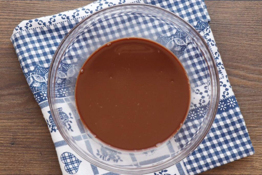 Low-Carb Chocolate Zucchini Muffins recipe - step 4