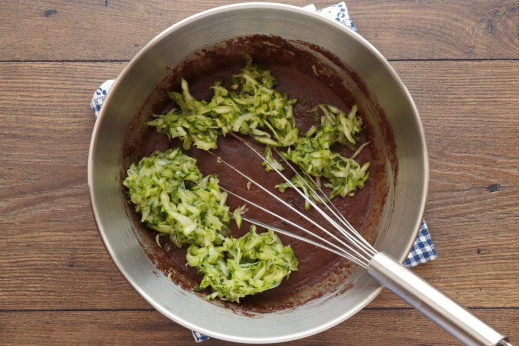 Low-Carb Chocolate Zucchini Muffins recipe - step 6