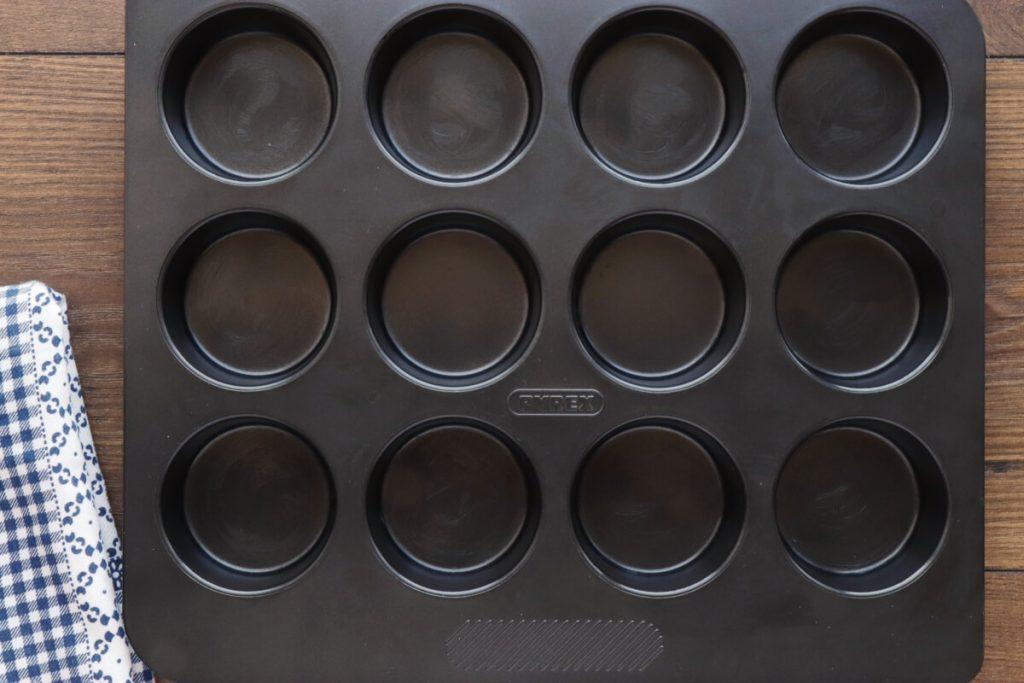 Low-Carb Chocolate Zucchini Muffins recipe - step 1