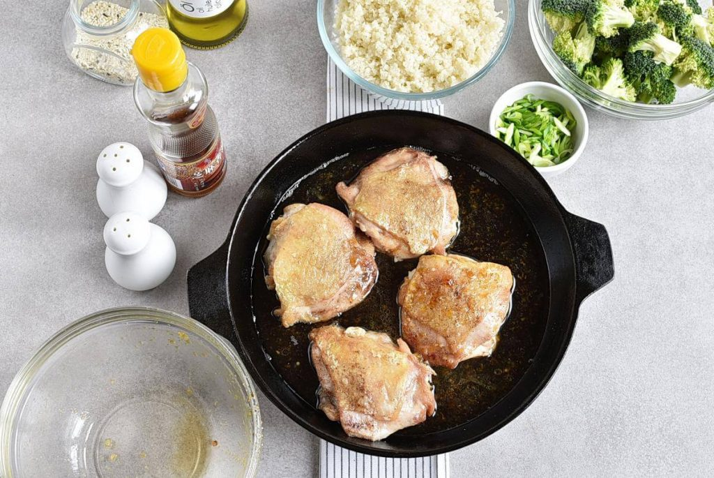 Meal-Prep Honey Sesame Chicken with Broccoli recipe - step 5