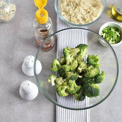 Meal-Prep Honey Sesame Chicken with Broccoli recipe - step 7