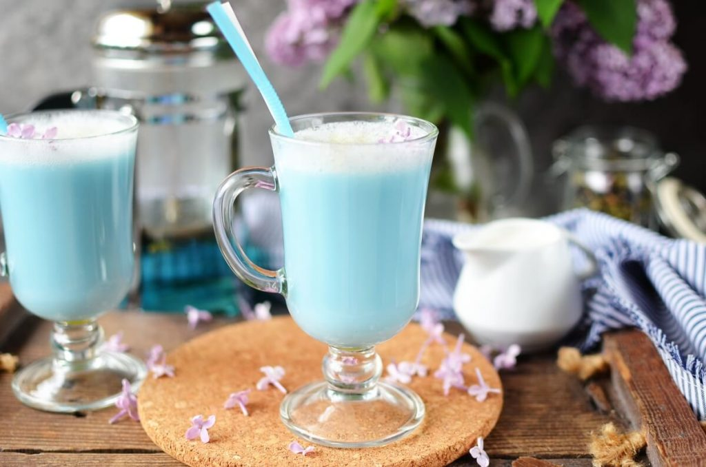 How to serve Butterfly Pea Flower Tea Latte