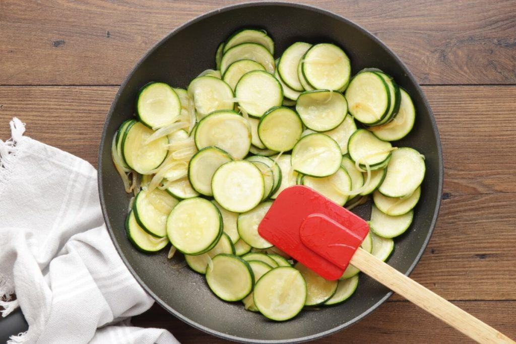 Cheesy Zucchini Quiche recipe - step 3