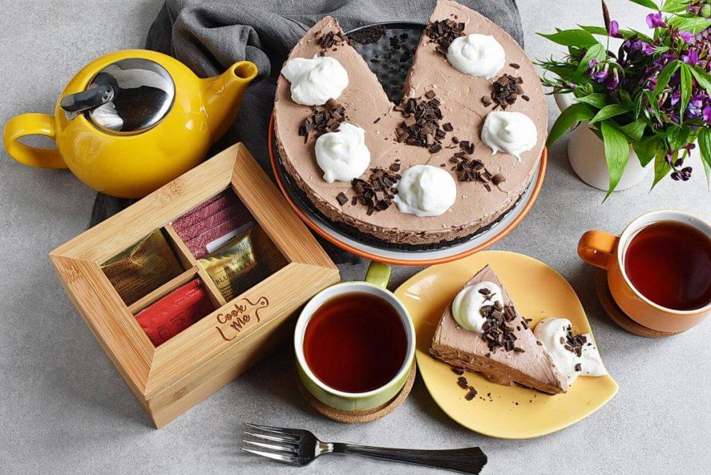 How to serve Chocolate Cream Cheese Pie
