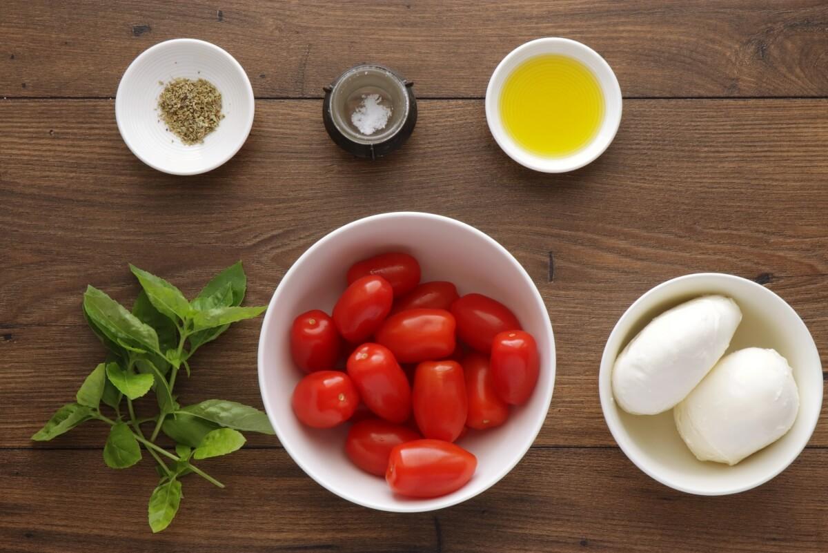 Ingridiens for Classic Italian Caprese Salad