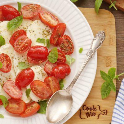 Classic Italian Caprese Salad Recipe-Caprese Salad-Insalata Caprese Recipe-Mozzarella Basil Tomato Salad