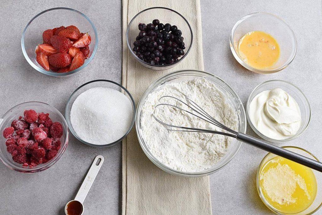 Easy Triple Berry Cake recipe - step 2