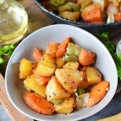 Korean Braised Potatoes Recipe - How To Make Gamja Jorim-Korean Braised Potatoes - Delicious Gamja Jorim-Korean Braised Potatoes - Gamja Jorim