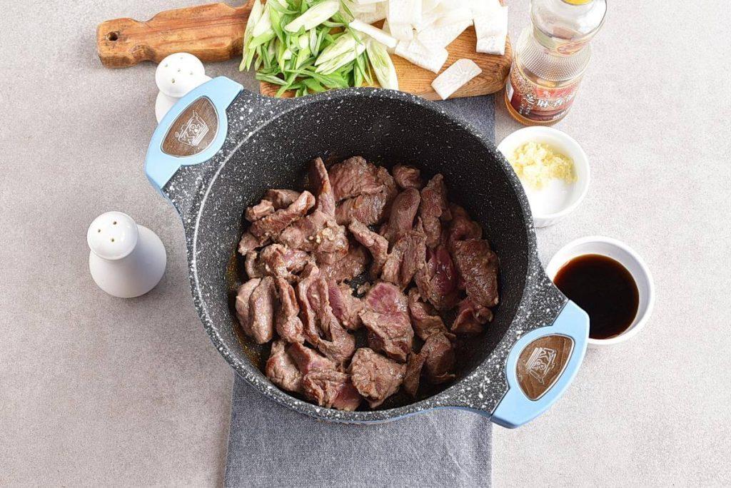 Korean Beef & Radish Soup – Soegogi Muguk recipe - step 3