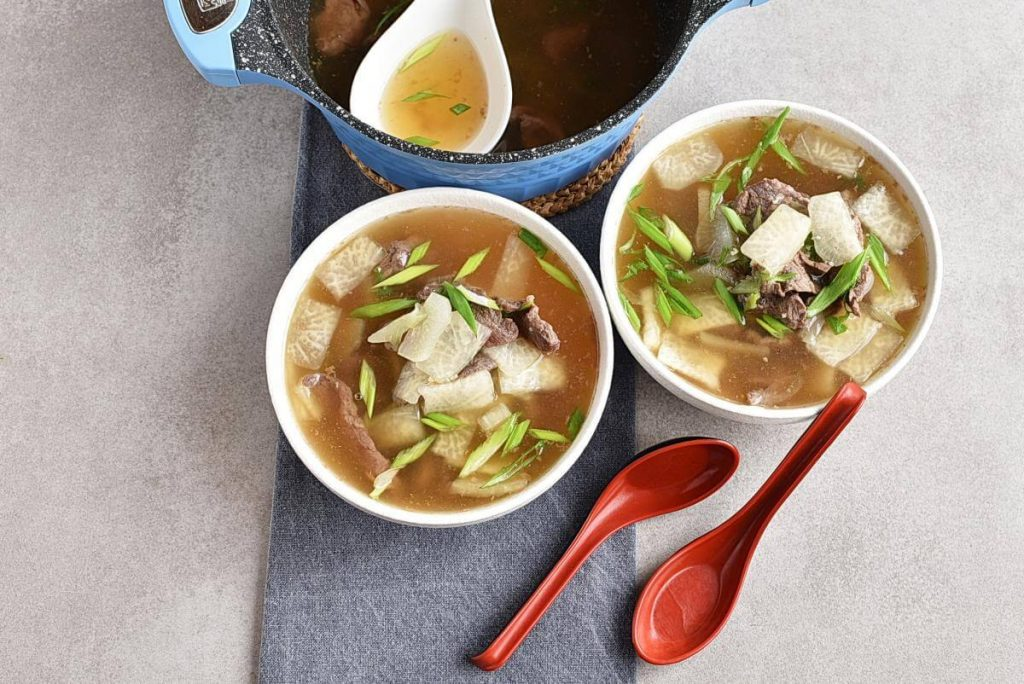 How to serve Korean Beef & Radish Soup – Soegogi Muguk