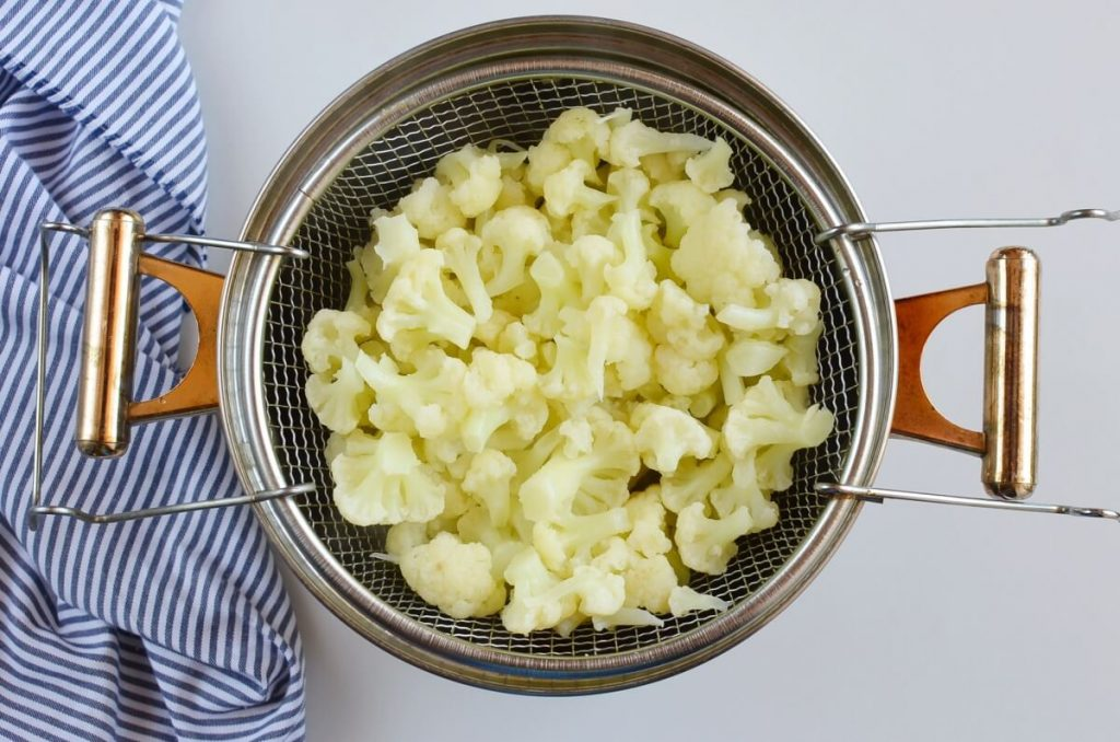 "Low-Carb Cauliflower ""Potato"" Salad recipe - step 1"