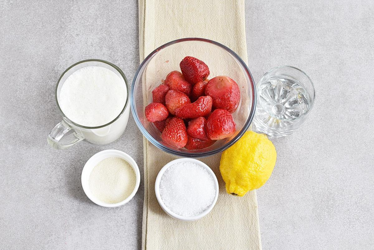 Ingridiens for Low-Carb Strawberry Mousse (Keto-Friendly)