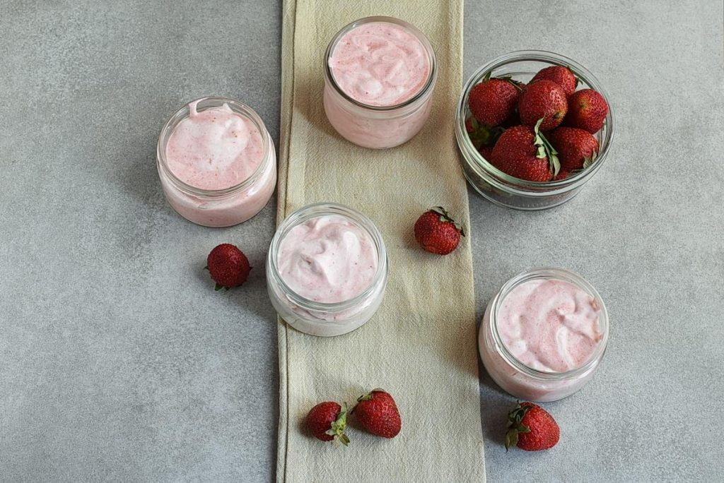 How to serve Low-Carb Strawberry Mousse (Keto-Friendly)