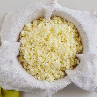 Mediterranean Cauliflower Rice recipe - step 2