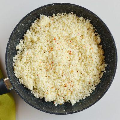 Mediterranean Cauliflower Rice recipe - step 5