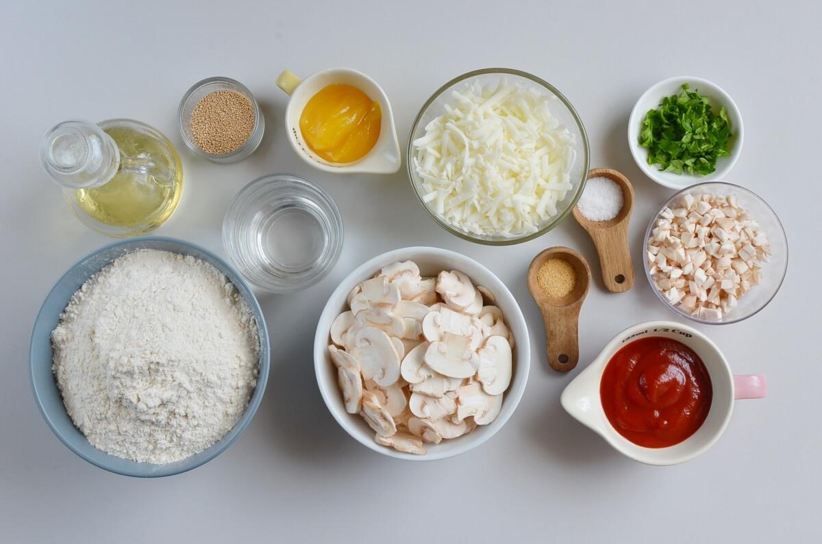Ingridiens for Mushroom Pizza Rolls