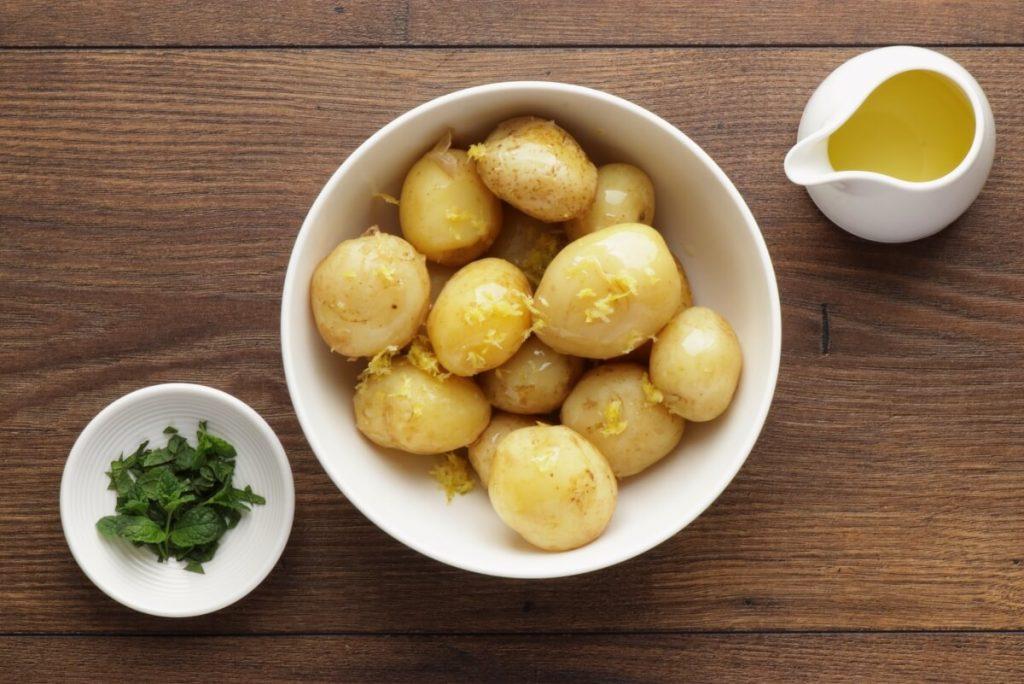 New Potato Salad with Asparagus recipe - step 1
