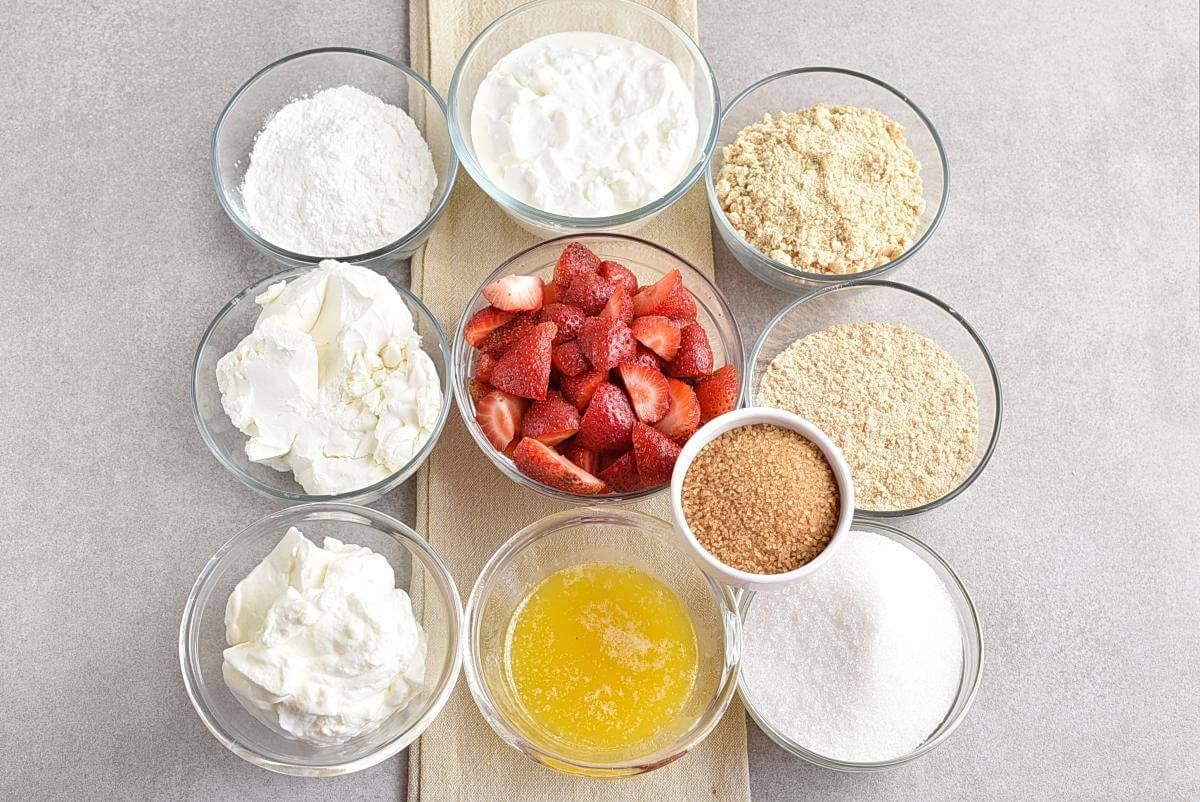 Ingridiens for No-Bake Frozen Strawberry Yogurt Pie