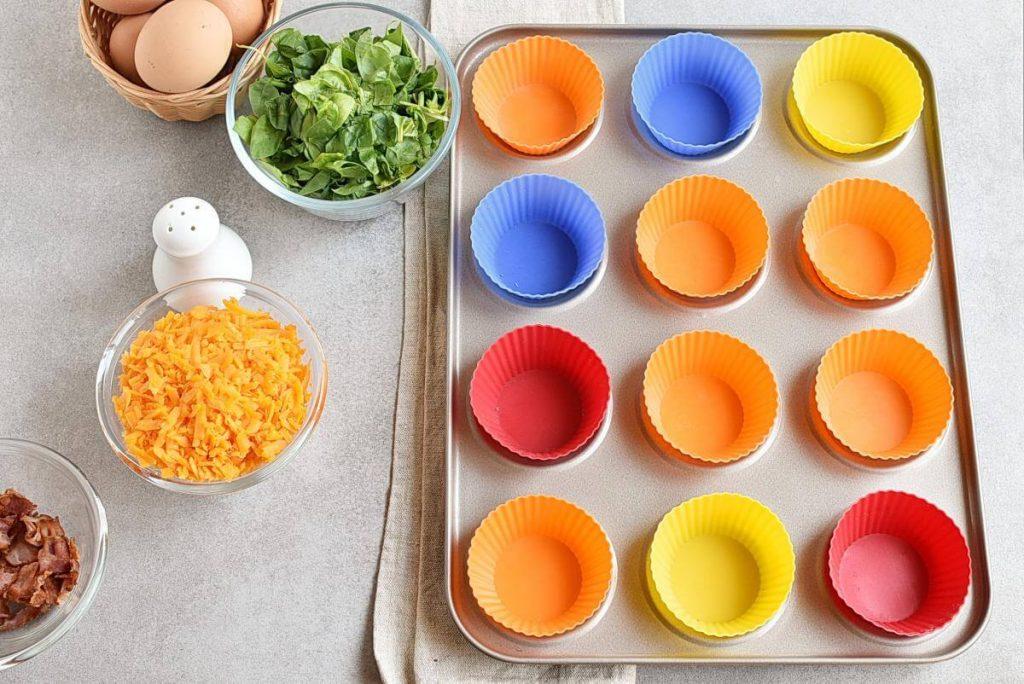 Keto Spinach and Bacon Mini Quiches recipe - step 1